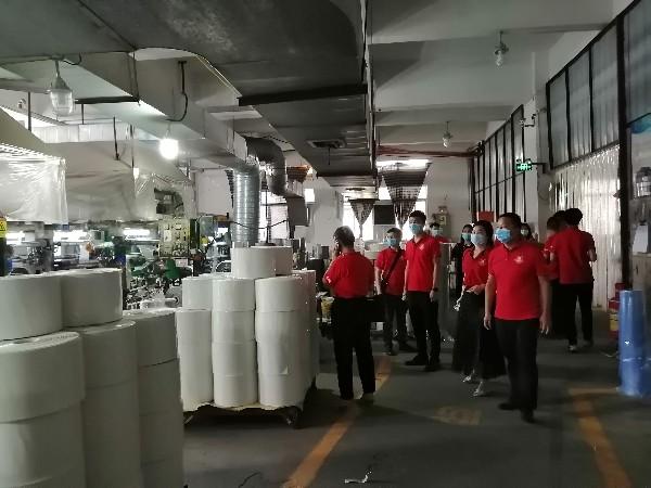 牛商会领导参观印刷车间